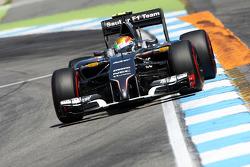 F1: Esteban Gutierrez, Sauber C33