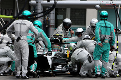 F1: Nico Rosberg, Mercedes AMG F1 Team during pitstop