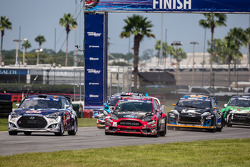 Start: #67 Hyundai / Rhys Millen Racing Hyundai Veloster: Rhys Millen takes the lead in front of #07 SH Racing Rallycross Ford Fiesta ST: Nelson Piquet Jr.