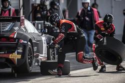 Belgian Audi Club Team WRT crew at work