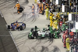 Charlie Kimball, Chip Ganassi Racing Chevrolet and Carlos Munoz, Andretti Autosport Honda