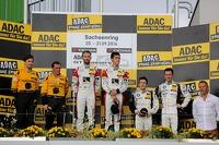 Podium: race winners Kelvin van der Linde, Rene Rast, second place Christian Engelhardt, Jaap van Lagen, third place Dominik Baumann, Claudia Hürtgen