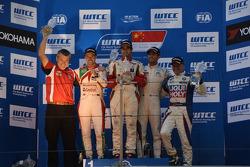 podium race 2, winner Mehdi Bennani, Honda Civic WTCC, Proteam Racing, second place Tiago Monteiro, Honda Civic WTCC, Team Castrol Honda WTCC, third place Jose Maria Lopez, Citroën C-Elysee WTCC, Citroën Total WTCC
