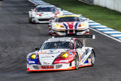 #76 IMSA Performance Matmut Porsche 911 GT3: Raymond Narac, Nicolas Armindo, Christina Nielsen