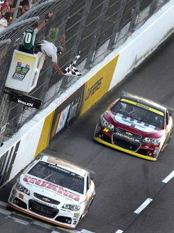Dale Earnhardt Jr., Hendrick Motorsports Chevrolet takes the win