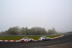 #30 Frikadelli Racing Team Porsche 911 GT3 R: Sabine Schmitz, Patrick Huisman, Frank Stippler, Klaus Abbelen