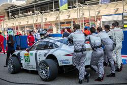 #91 Porsche Team Manthey Porsche 911 RSR: Richard Lietz, Jörg Bergmeister