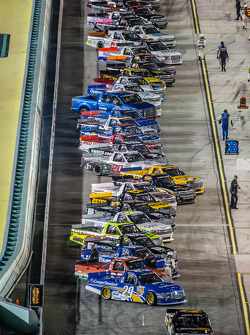 Starting grid heads to pace laps