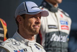 Jenson Button, McLaren at the drivers' end of season photograph
