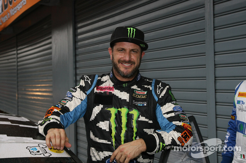 Ken Block earned a  million dollar salary, leaving the net worth at 200 million in 2017