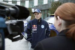 Volkswagen Motorsport's departure for Barcelona: Jutta Kleinschmidt