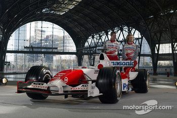 Ralf Schumacher and Jarno Trulli with the Toyota TF105