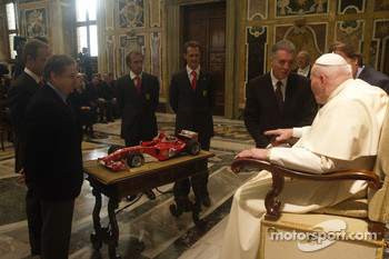 John Paul II The Pope receives a Ferrari F1 scaled model from Jean Todt, Rubens Barrichello, Luca Badoer, Michael Schumacher and Piero Ferrari