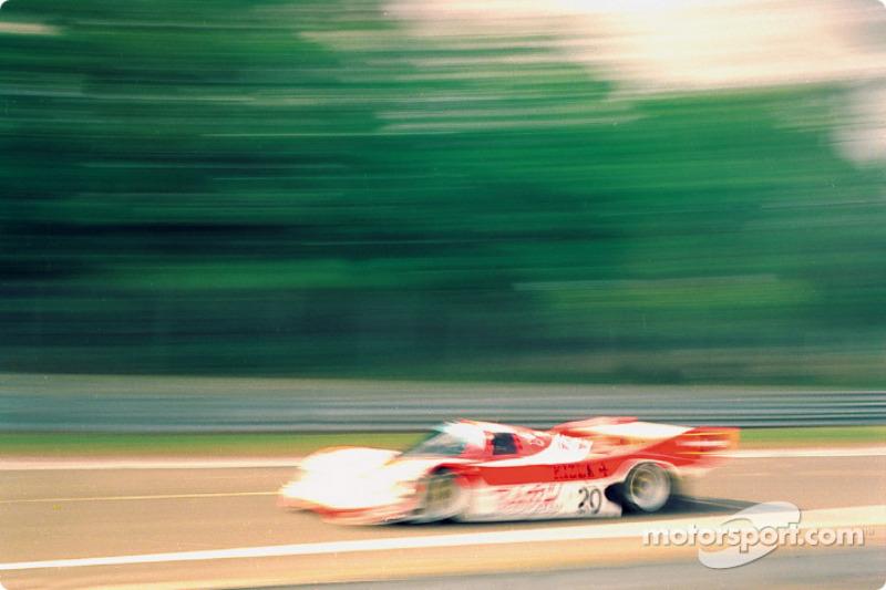 #20 Team Davey Porsche 962C: Tim Lee-Davey, Giovanni Lavaggi, Max Cohen-Olivar
