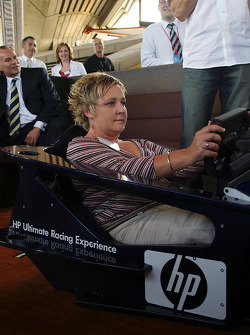 Williams-BMW HP event at the Opera House in Sydney: racing sim