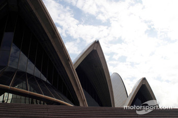 Williams-BMW HP event at the Opera House in Sydney: the Opera House