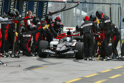 Pitstop for Patrick Friesacher