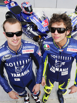 Gauloises Yamaha Team photoshoot: Valentino Rossi and Colin Edwards