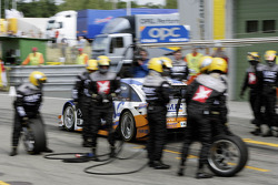 Pitstop for Marcel Fassler