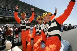 Jan Lammers, John Bosch and Elton Julian salute Dutch fans