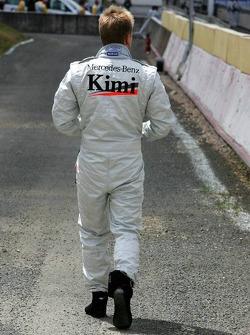 Kimi Raikkonen stopped on the track