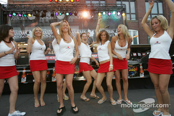 John Street party: Molson Canadian girls go wild on the dance floor