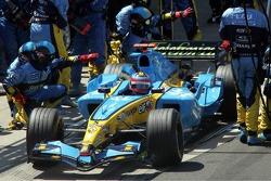 Pitstop for Fernando Alonso