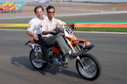 Vitantonio Liuzzi and Christian Horner