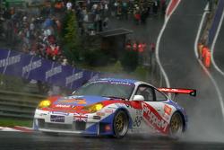 #88 Gruppe M Racing Porsche 996 GT3-RSR: Emmanuel Collard, Tim Sugden, Stéphane Ortelli