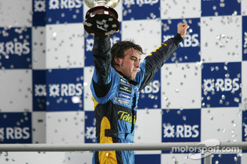 Podium: 2005 World Champion Fernando Alonso celebrates
