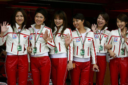 Japanese GP girls