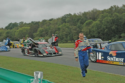 Andy Wallace clears the grid