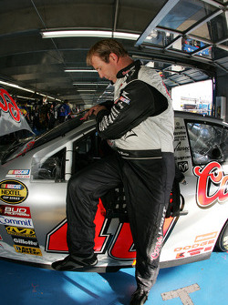 Sterling Marlin climbs back in his car