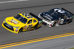 Mike Wallace, JGL Racing Toyota and Brian Scott, Richard Childress Racing