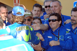 Pole winner Sete Gibernau celebrates