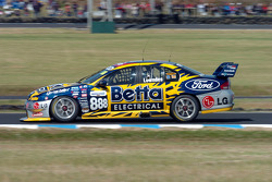 Craig Lowndes on his way to 2nd place in the championship