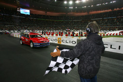 Superfinal 2: Sébastien Loeb takes the win and is the 2005 Race of Champions winner
