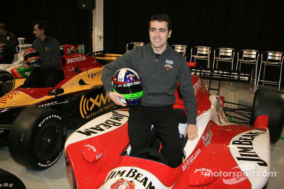 Dario Franchitti in the No. 27 Klein Tools Jim Beam Dallara Honda Firestone that he will drive in 2006