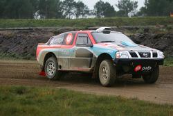 Team Nissan Dessoude: Carlos Sousa and Jean-Marie Lurquin test the Nissan Navara T1