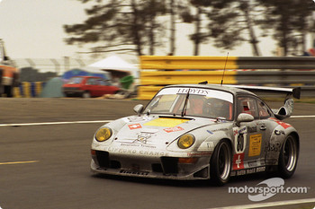 #80 GT Racing Team Porsche 911 GT2: Claudia Hrtgen, Hugh Price, John Robinson