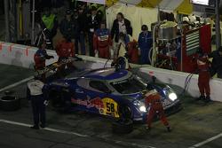 Pitstop for #58 Red Bull/ Brumos Porsche Porsche Fabcar: David Donohue, Darren Law, Sascha Maassen