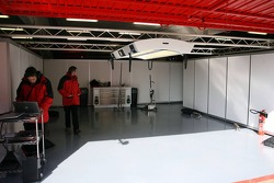 Super Aguri F1 pitbox