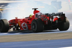 Felipe Massa spins