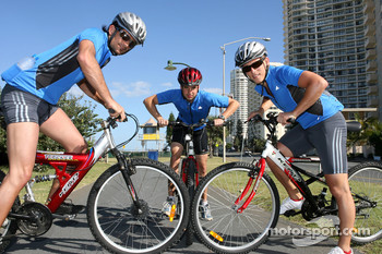Red Bull fitness training in Surfers Paradise: Vitantonio Liuzzi, Neel Jani and Christian Klien