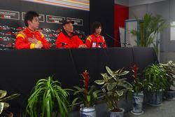 Tengyi Jiang (CHN) A1 Team China, Yiu Yu (CHN), the China Seat Holder and Qinghua Ma (CHN) A1 Team China in the press conference