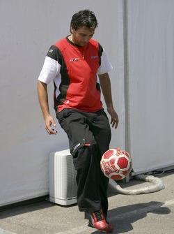BCN Competicion crew play football