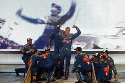Kyle Busch and his team are introduced
