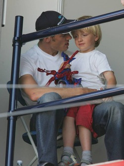 Alexander Wurz with his son