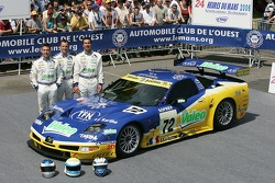 Luc Alphand, Jérôme Policand and Patrice Goueslard pose with the Luc Alphand Aventures Corvette C5-R
