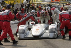 Pitstop for #2 Audi Sport North America Audi R8: Rinaldo Capello, Allan McNish